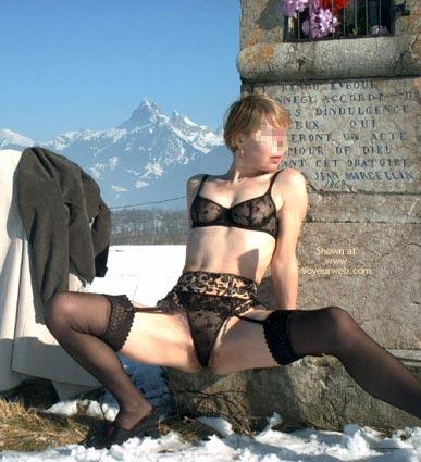 Pic #3 - Eva de France a la Neige