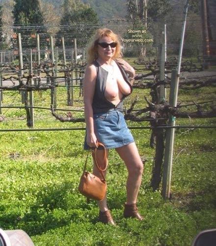Pic #7 - Jeanne, Wine, Fun