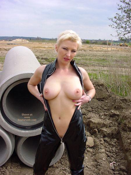 Pic #4 - Outdoor Slut Sofi