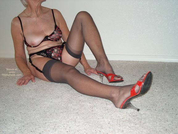 Pic #1 - Sexy Mature Lady 2