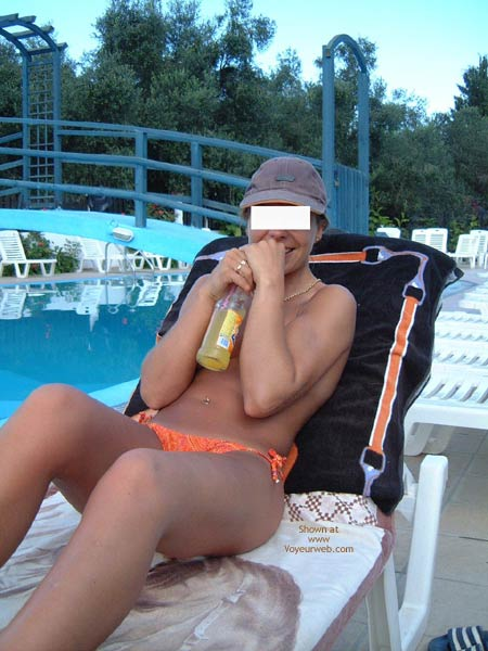 Pic #1 - Early Thirties By The Pool