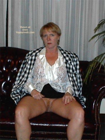 Pic #7 - Rhonda in Bar