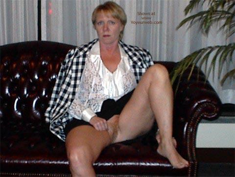 Pic #8 - Rhonda in Bar