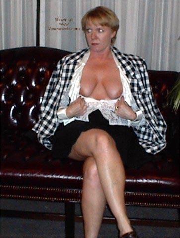 Pic #9 - Rhonda in Bar