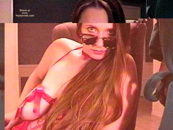 Pic #1 - Ladyj Chatting Online