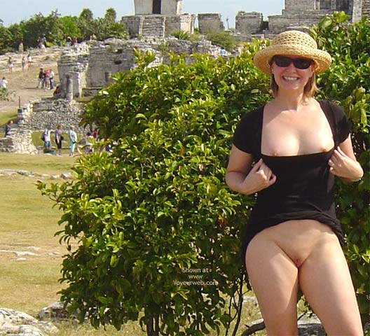 Pic #4 - Flash Cards Bunny At Tulum, Mexico