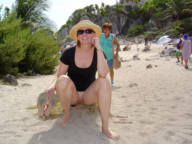 Pic #9 - Flash Cards Bunny At Tulum, Mexico