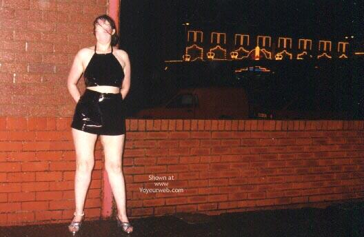 Pic #1 - Flashcouple Wants To Meet Cutewoman In N Wales