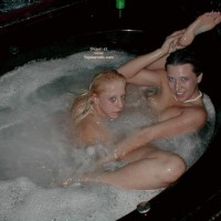 *GG Kate and Melissa in The Tub