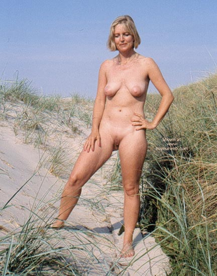 Pic #5 - Enna in The Dunes