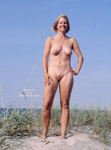 Pic #7 - Enna in The Dunes