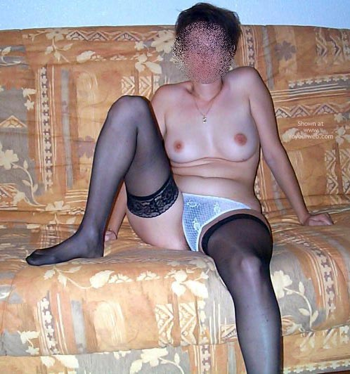 Pic #2 - My Wife 33yd Nude