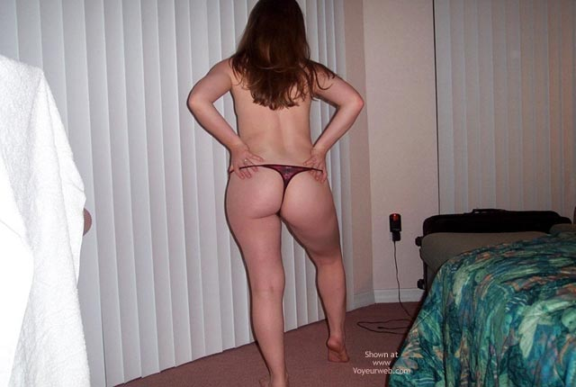 Pic #5 - Stephanie'S Rear End Review