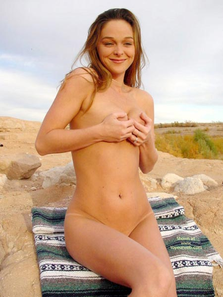 Pic #4 - Bianca In The Desert Cont