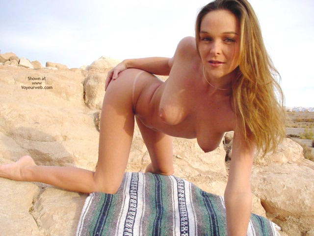 Pic #6 - Bianca In The Desert Cont