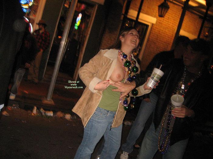 2007 boob gras mardi