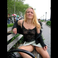 annie: flashing pussy on park bench