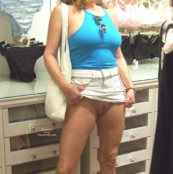 Pic #1 - Liz is Back, Kitty Pics & Shopping For Panties