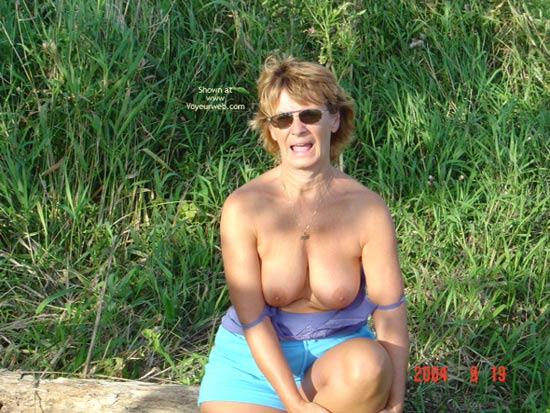 Pic #4 - 58 Year Old Canadian Wife Outdoors