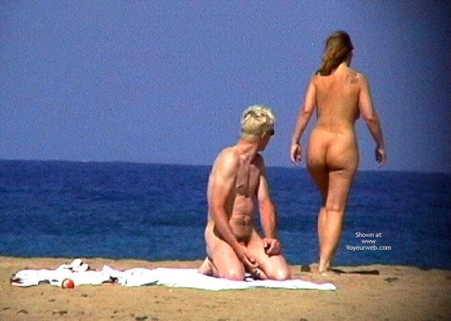 Pic #2 - Superzooms Nude Couple