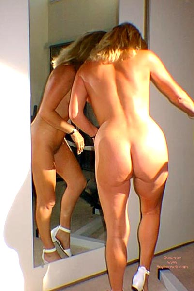 Pic #7 - Stripping In Front Of The Mirror