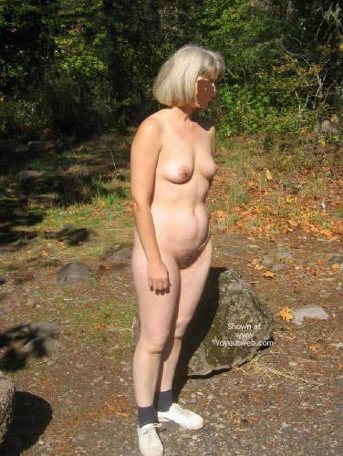 Pic #5 - Rochelle And Her 34b'S In Campground