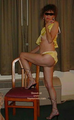 Pic #3 - Wife Shows All at The Hotel