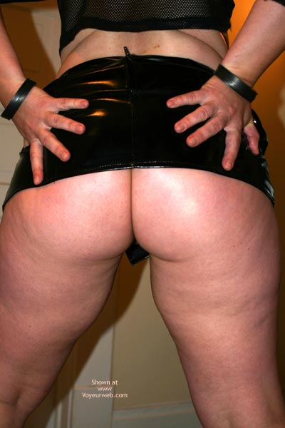 Pic #5 - Oh Wife Goes Clubbing 2