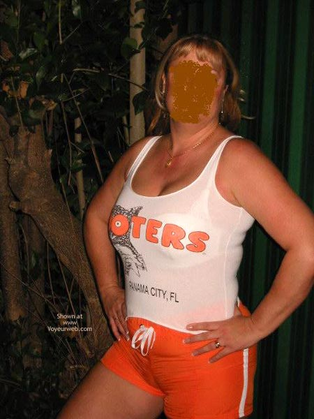 Pic #7 - Retired Hooters Gal