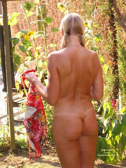 Pic #3 - Sunshine on My Naked Body