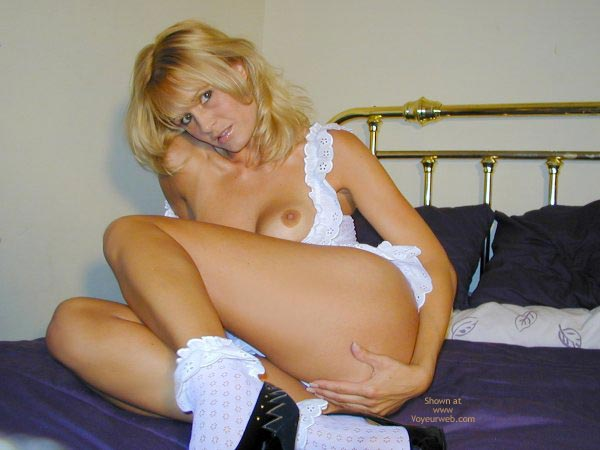 Pic #1 - Arianna Innocent In White?