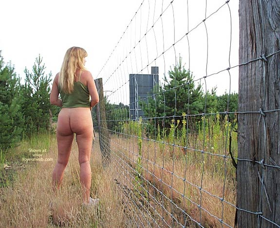 Pic #8 - Outside is Karin's Ass
