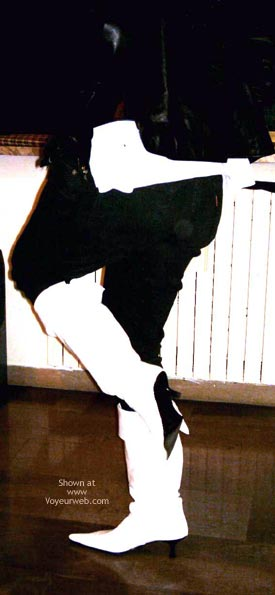 Pic #5 - Danila Italy en White Boots