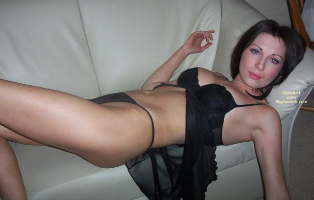 Pic #4 - Erotic Eccose Black Nightie And Stockings 2