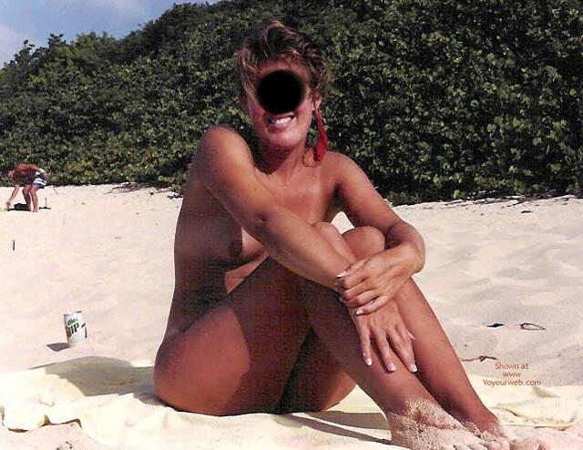 Pic #3 - Flirtatious Wife At St. Martin