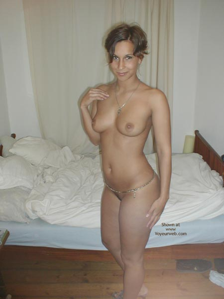 Girls With Belly Chain Nude