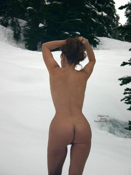 Pic #10 - Sienna'S Second Snowshoe Series