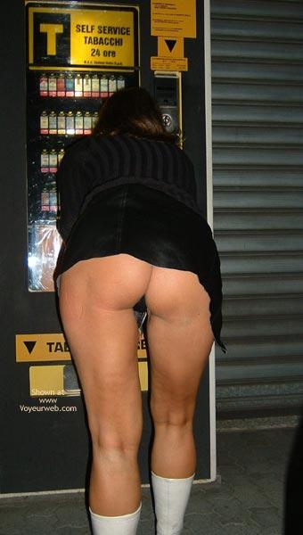 Pic #1 - Dama Vetrine by Night