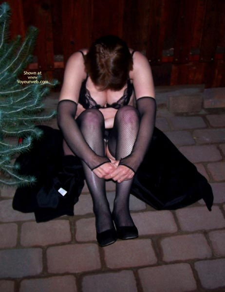 Pic #1 - *Ol Outside In Lingerie And Handcuffs