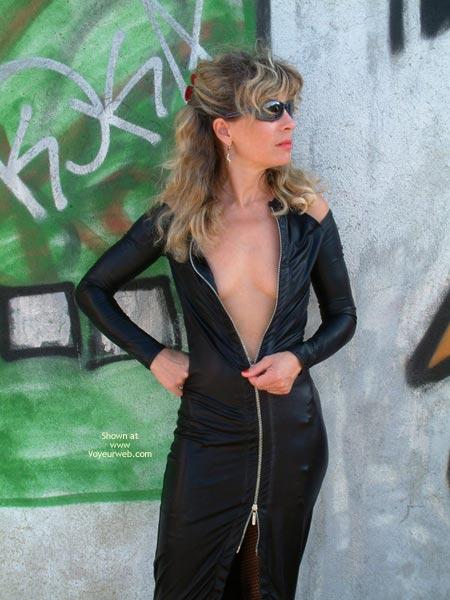 Pic #4 - Marina is Back, Graffiti Strip!