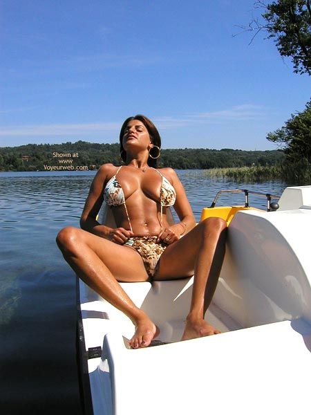 Pic #1 - Vanessa Pedal Boat For Vw