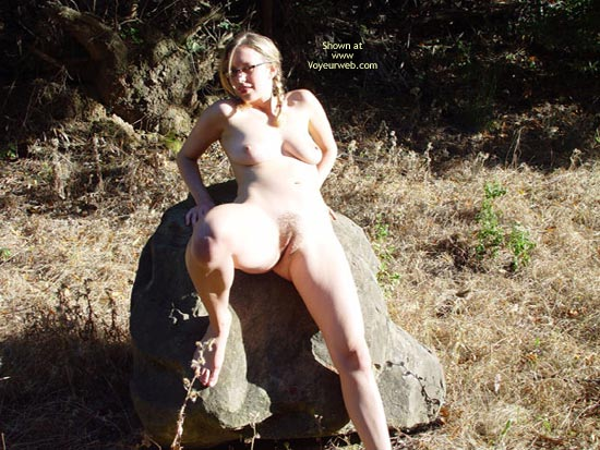 Pic #3 - Leila Squirts Outside