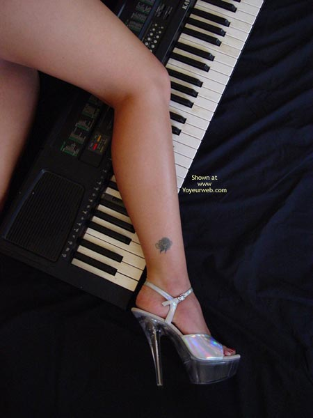 Pic #3 - Lindsey'S Keyboard And A Rose