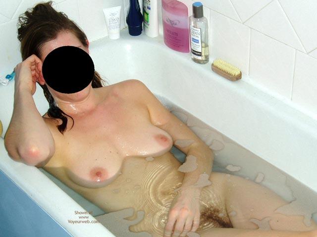 Pic #4 - Sexy Flatmate Bathtime