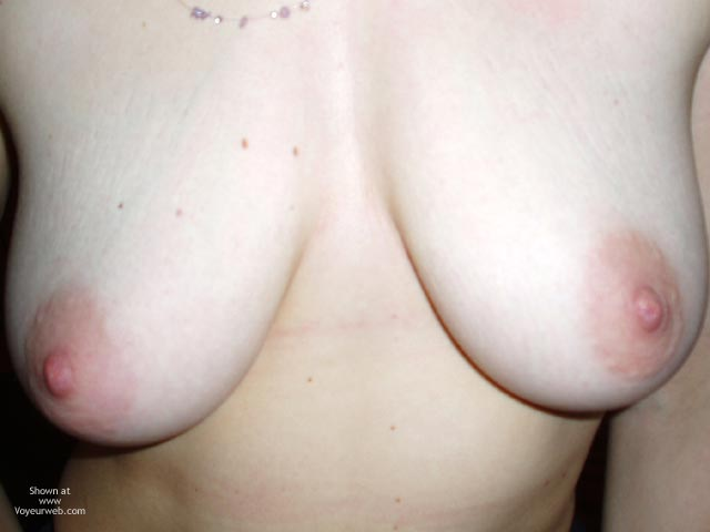 Pic #5 - Sexy Flatmate Bathtime