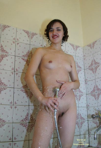 Pic #5 - Water Running Down My Groomed Pussy
