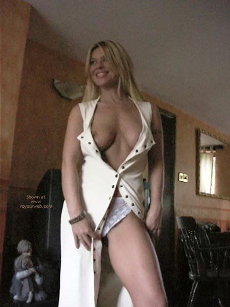 Pic #2 - Hot Housewife With Great Boobs
