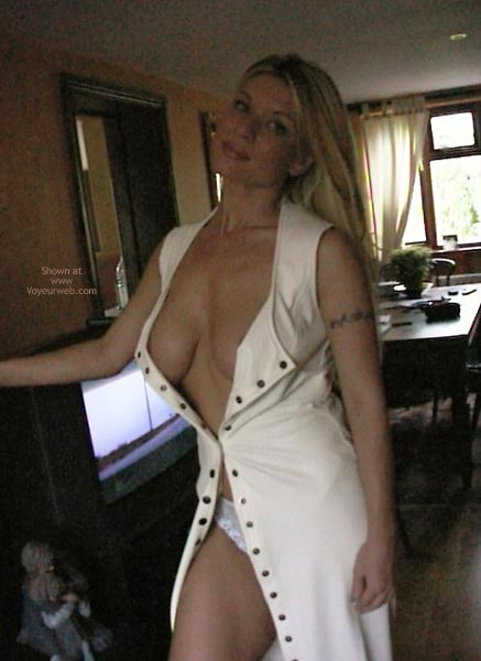 Pic #3 - Hot Housewife With Great Boobs
