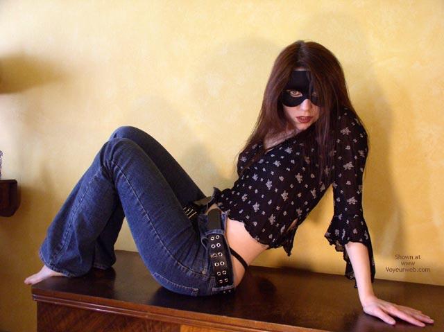 Pic #1 - *Je Masked Mia In Jeans