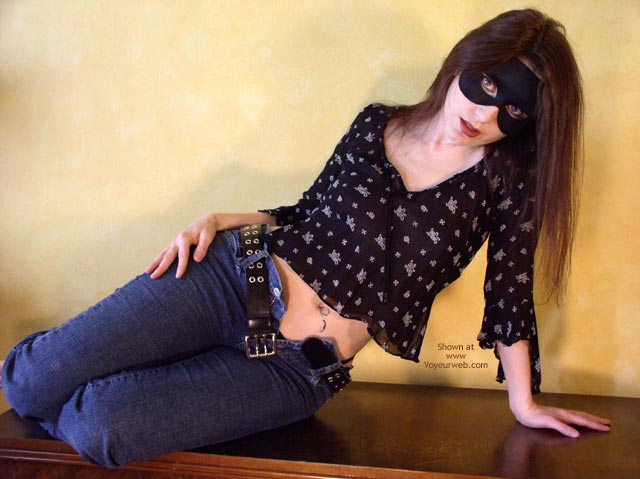 Pic #2 - *Je Masked Mia In Jeans